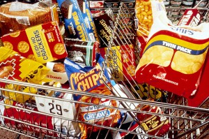 800px-Unhealthy_snacks_in_cart